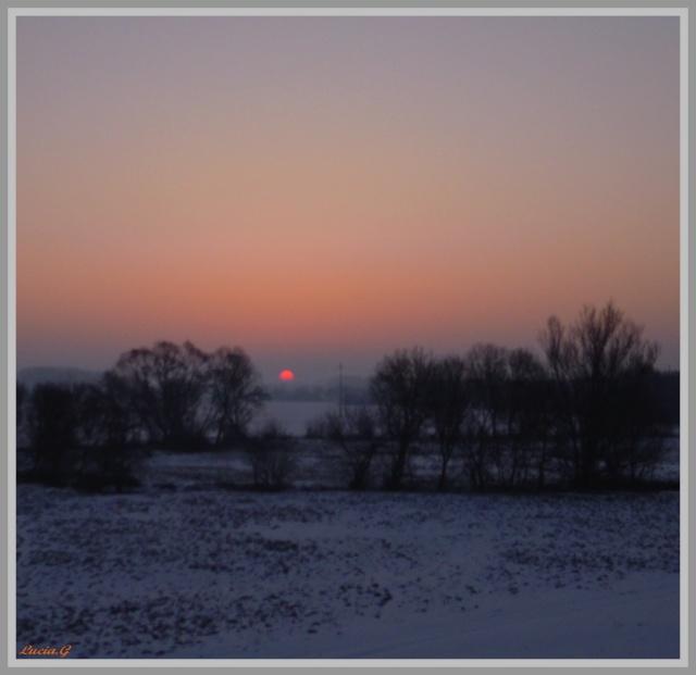 http://i42.servimg.com/u/f42/09/02/90/60/neige217.jpg