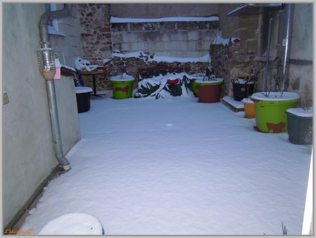 http://i42.servimg.com/u/f42/09/02/90/60/neige_21.jpg