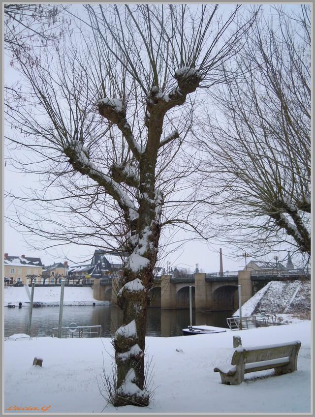 http://i42.servimg.com/u/f42/09/02/90/60/neige_24.jpg