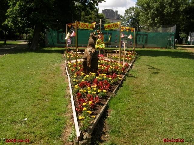 Les écoliers font le jardin. dans Jardins et maisons creati15