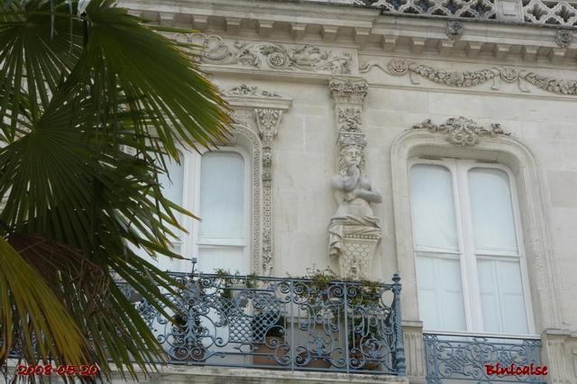 Des balcons pour Juliette. dans Autour de Rochefort facade12