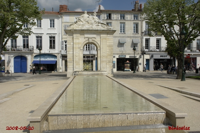 Rochefort. La Fontaine. dans Autour de Rochefort la_fon11