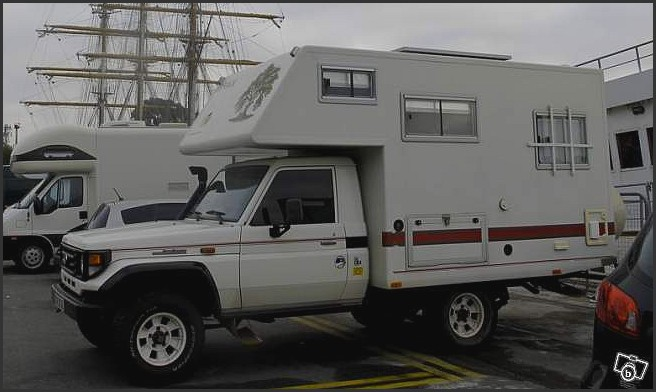 camping car toyota hzj 79 avec cellule. Black Bedroom Furniture Sets. Home Design Ideas
