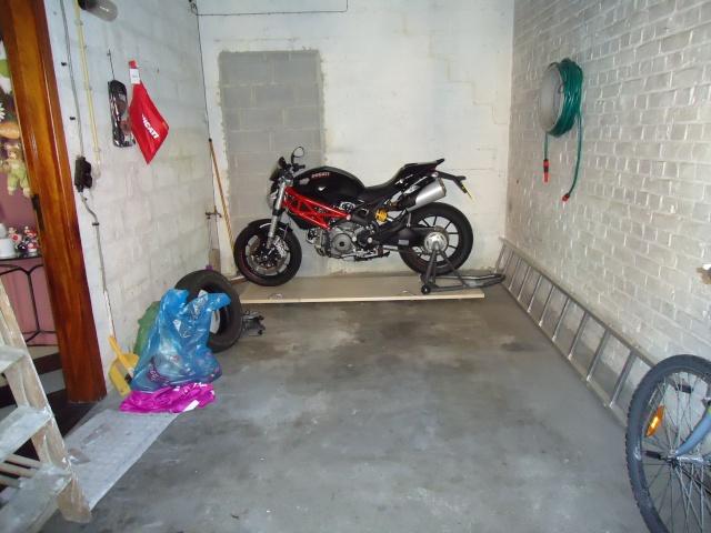 tuto pousser sa monster au fond du garage et retrouver plein de place libre. Black Bedroom Furniture Sets. Home Design Ideas
