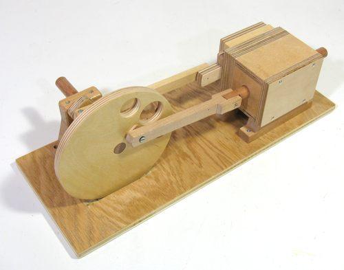 Двигатель из дерева на сжатом