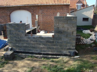 Extension parpaings parement briques dans le nord de la for Extension en parpaing