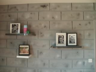 Peinture int rieure aspect parpaings peints for Peindre un mur en parpaing