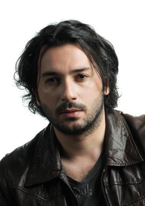 صور الممثل التركي أوزان تشوبان أوغلو ozan çobanoğlu بطل الارض الطيبة