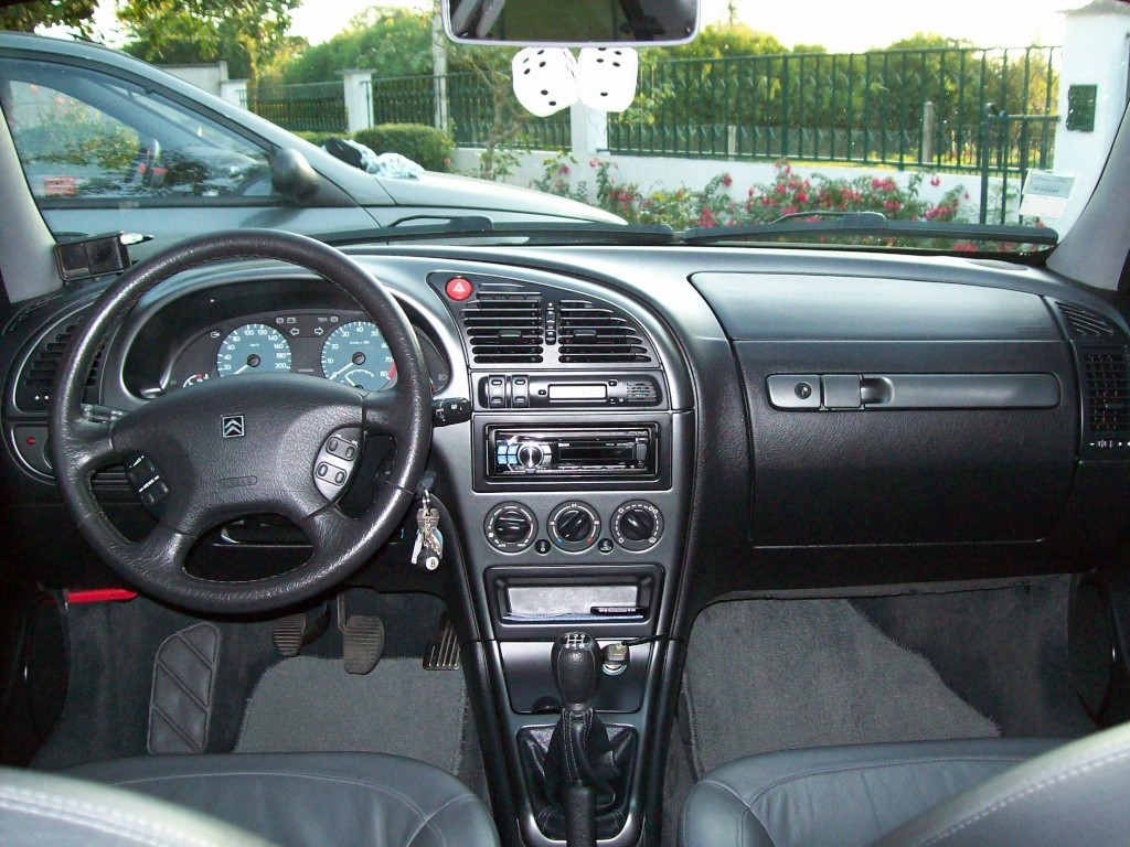 La xsara vts 1 8 16v ph1 de yanik 94 tome 1 for Interieur 306 annee 2000